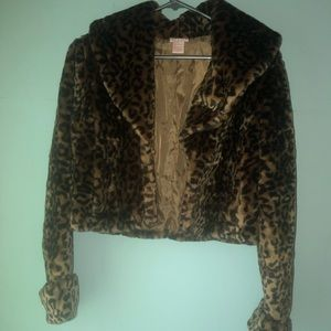 Faux fur animal print cropped long sleeve jacket